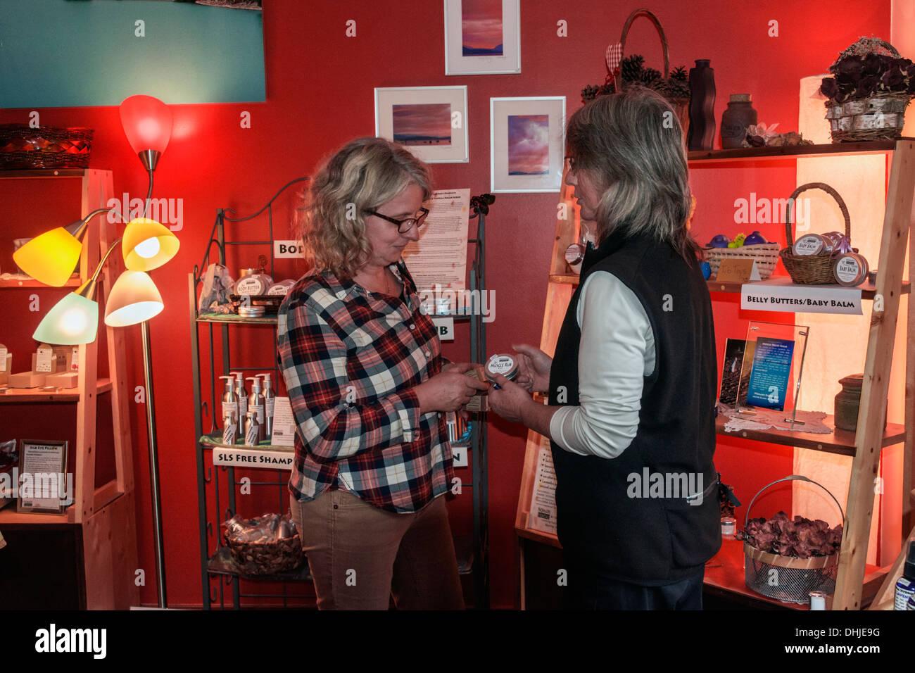 Artisan beauty products store, Mayne Island, British Columbia, Canada - Stock Image