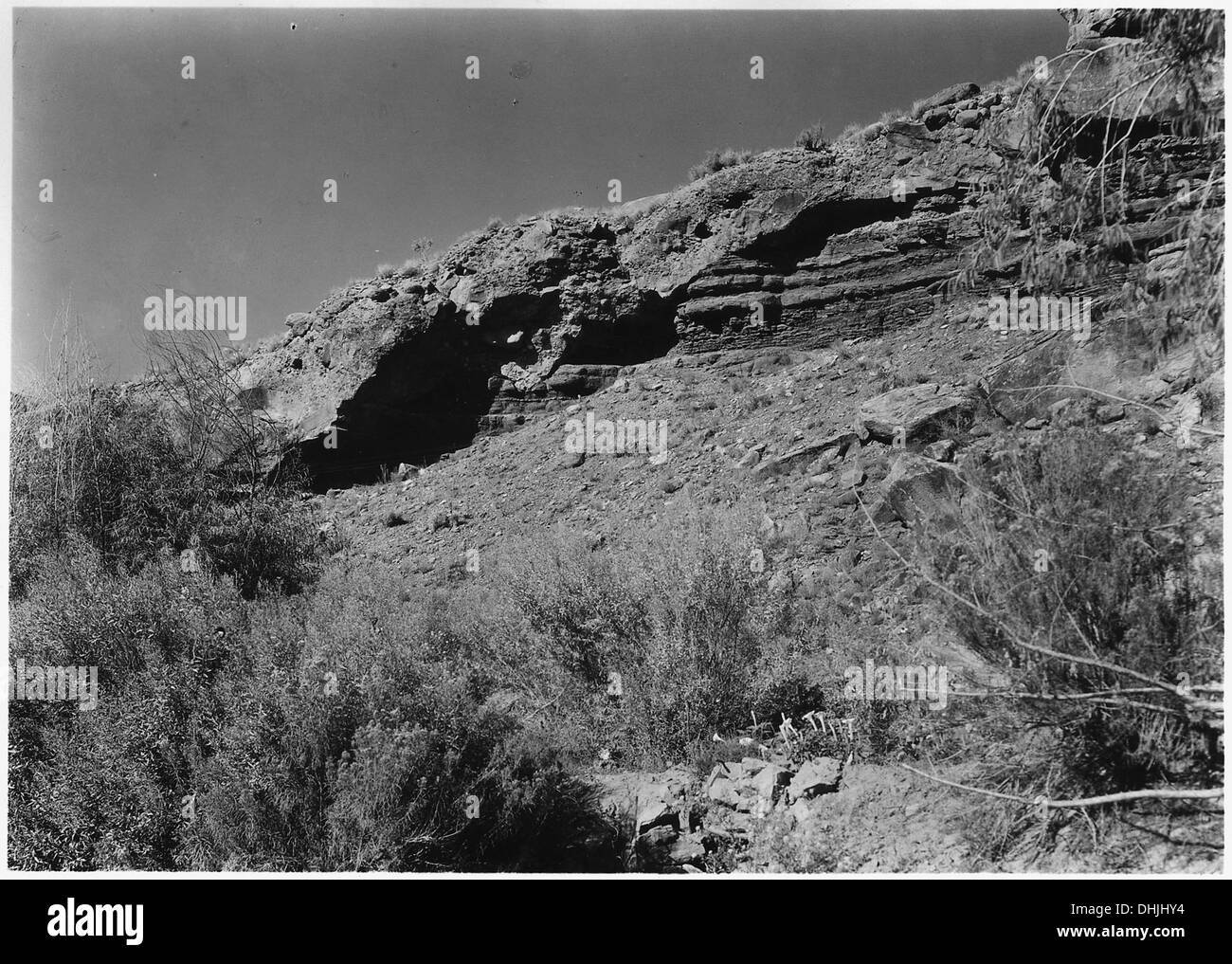 Unconformity at forks of the Virgin River near Rockville, Utah. Conglomerate overlying edges of shale strata. 520426 - Stock Image