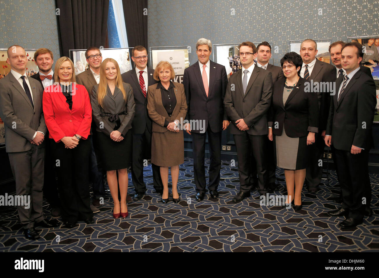 Secretary Kerry Meets With Alumni From the Polish Ministry of Science and Higher Education's Top 500 Innovators Program - Stock Image