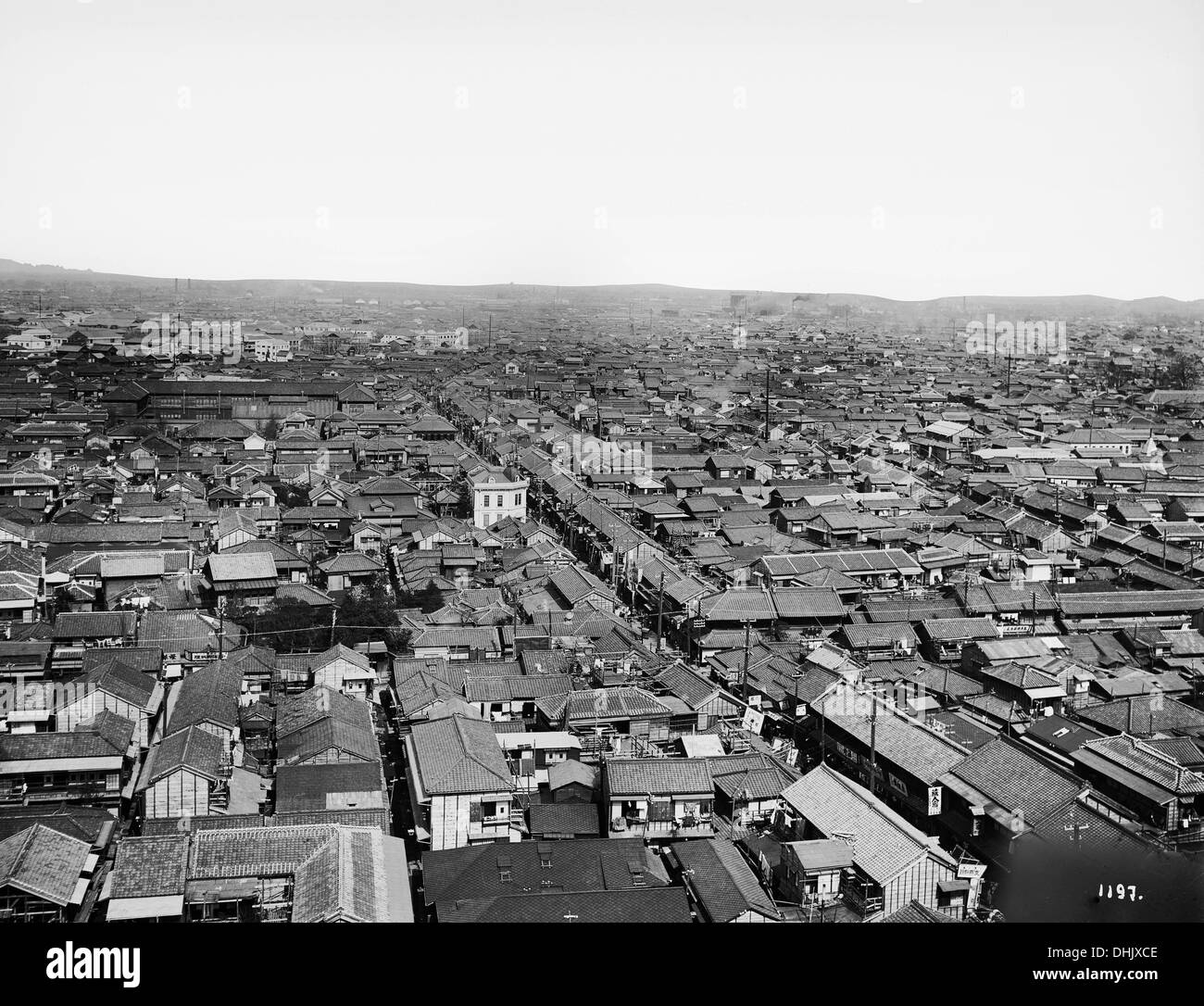 View over a part of Tokyo, Japan, in 1912. The image was taken by the German photographer Oswald Lübeck, one of the earliest representatives of travel photography and ship photography aboard passenger ships. Photo: Deutsche Fotothek/Oswald Lübeck - Stock Image
