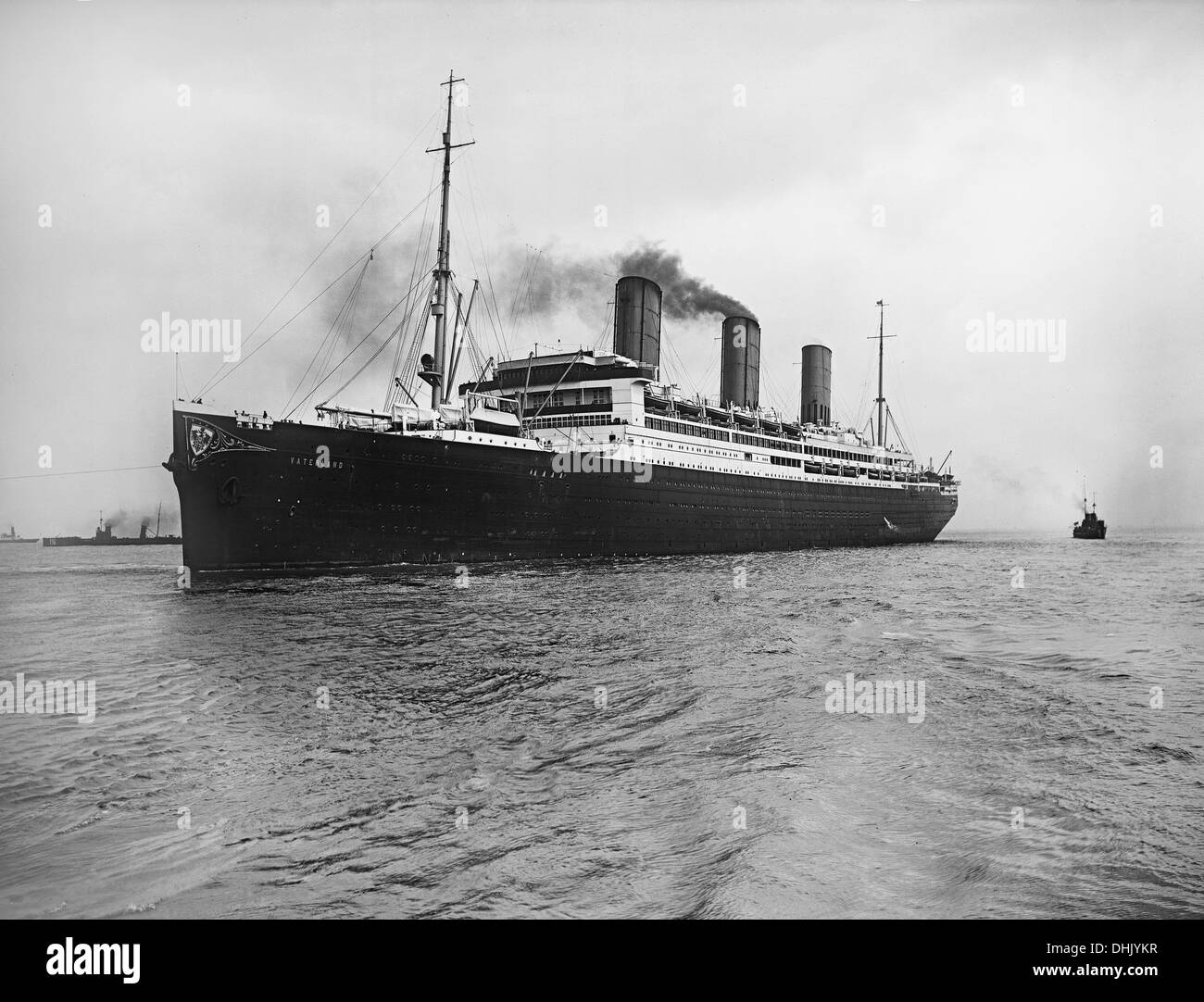 View of the ocean liner 'Vaterland' of Hapag Hamburg on the sea, Blohm und Voss Hamburg, shipyard, 1913, photograph taken in 1914. The image was taken by the German photographer Oswald Lübeck, one of the earliest representatives of travel photography and ship photography aboard passenger ships. Photo: Deutsche Fotothek/Oswald Lübeck - Stock Image