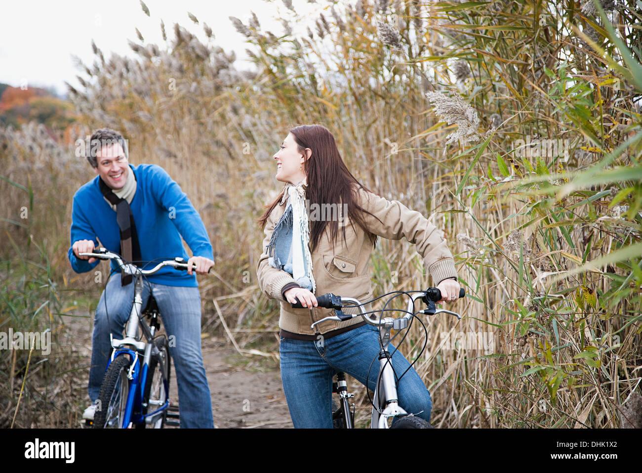 A couple cycling - Stock Image