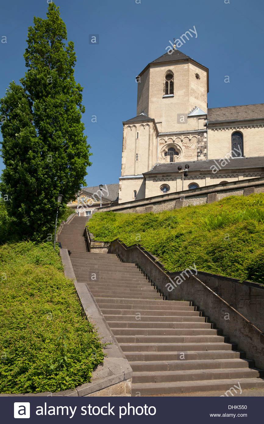 Germany, North Rhine Westphalia, Moenchengladbach, Abteiberg, minster - Stock Image