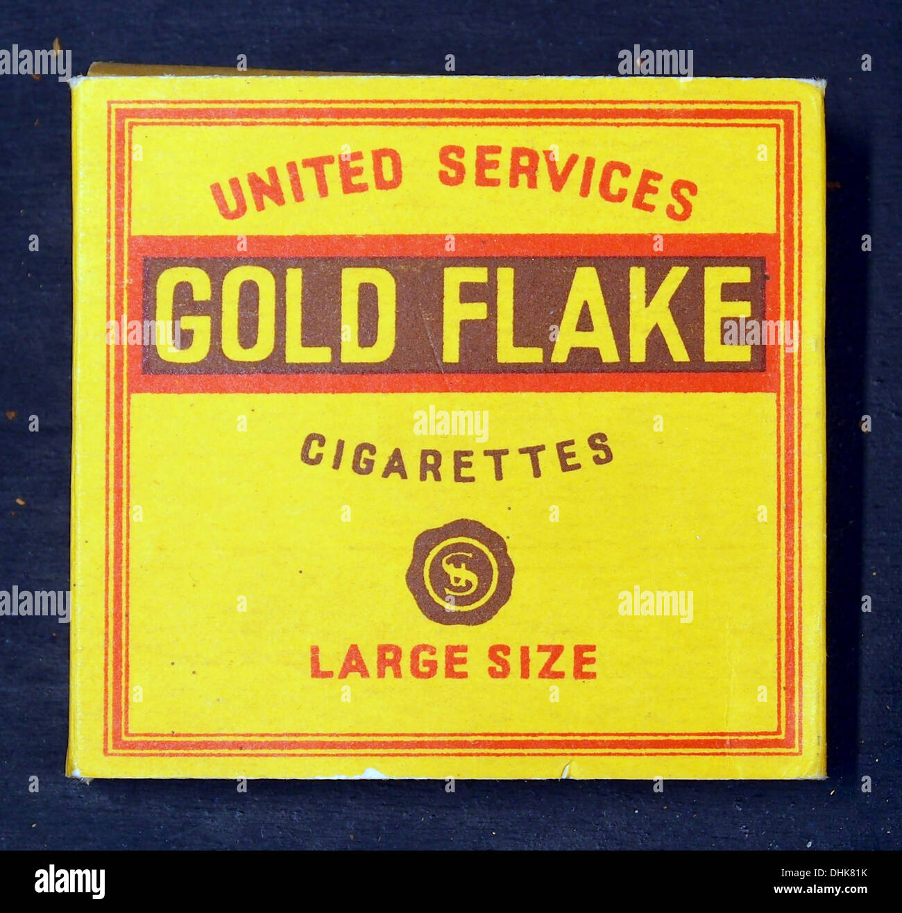 Gold Flake cigarettes, large size frontside - Stock Image