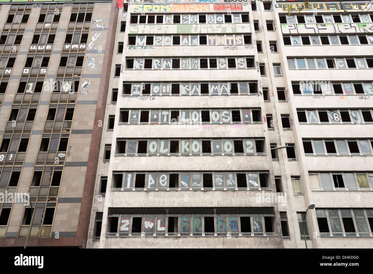 Derelict buildings on Plaza España, Madrid, Spain - Stock Image