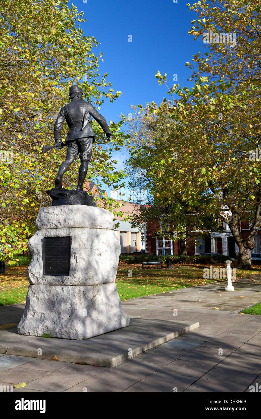 War memorial in Palmyra Square, Warrington, Cheshire - Stock Image