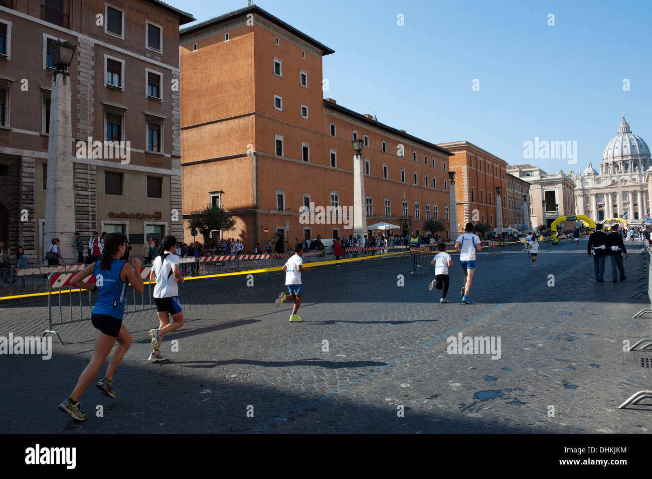 Athletes to the finishing straight in Vatican city race - Stock Image