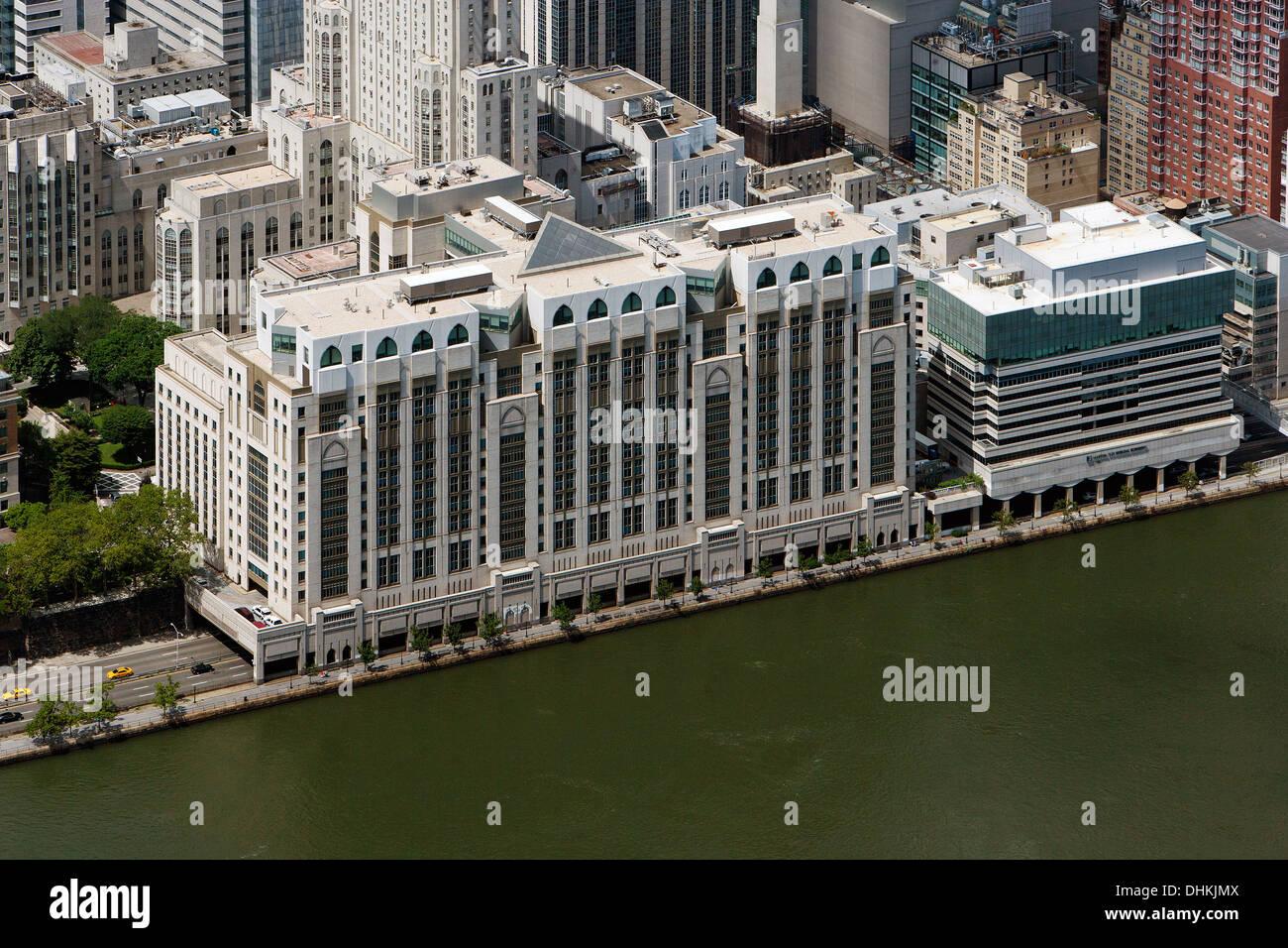 aerial photograph East River Esplanade Hospital for Special Surgery, Manhattan, New York City - Stock Image