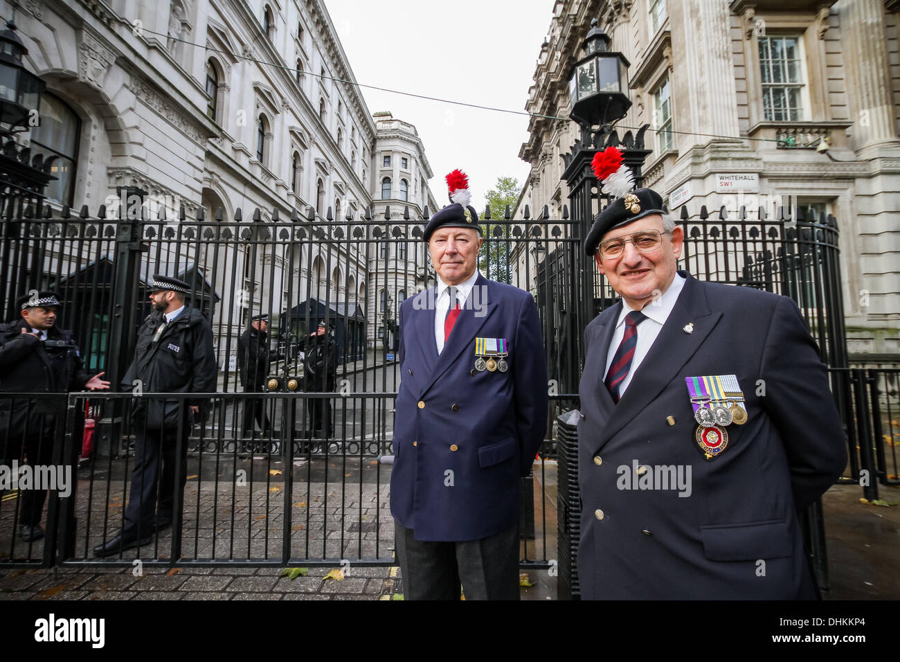 London, UK. 12th November 2013. Royal Fusiliers Protest outside Downing Street in London Credit:  Guy Corbishley/Alamy Live News - Stock Image
