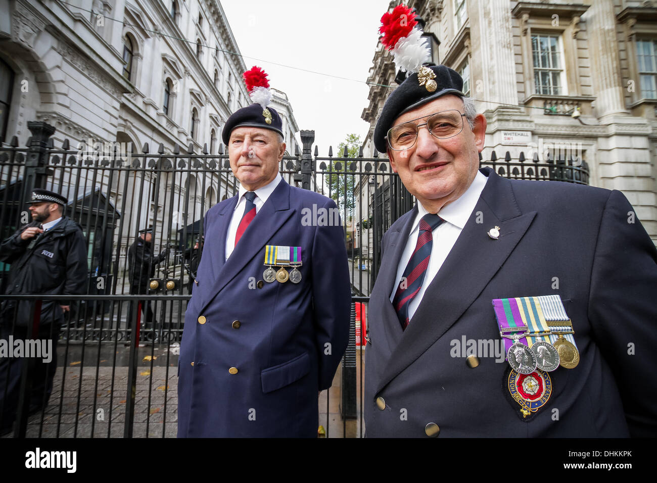 London, UK. 12th November 2013. Royal Fusiliers Protest outside Downing Street in London Credit:  Guy Corbishley/Alamy - Stock Image