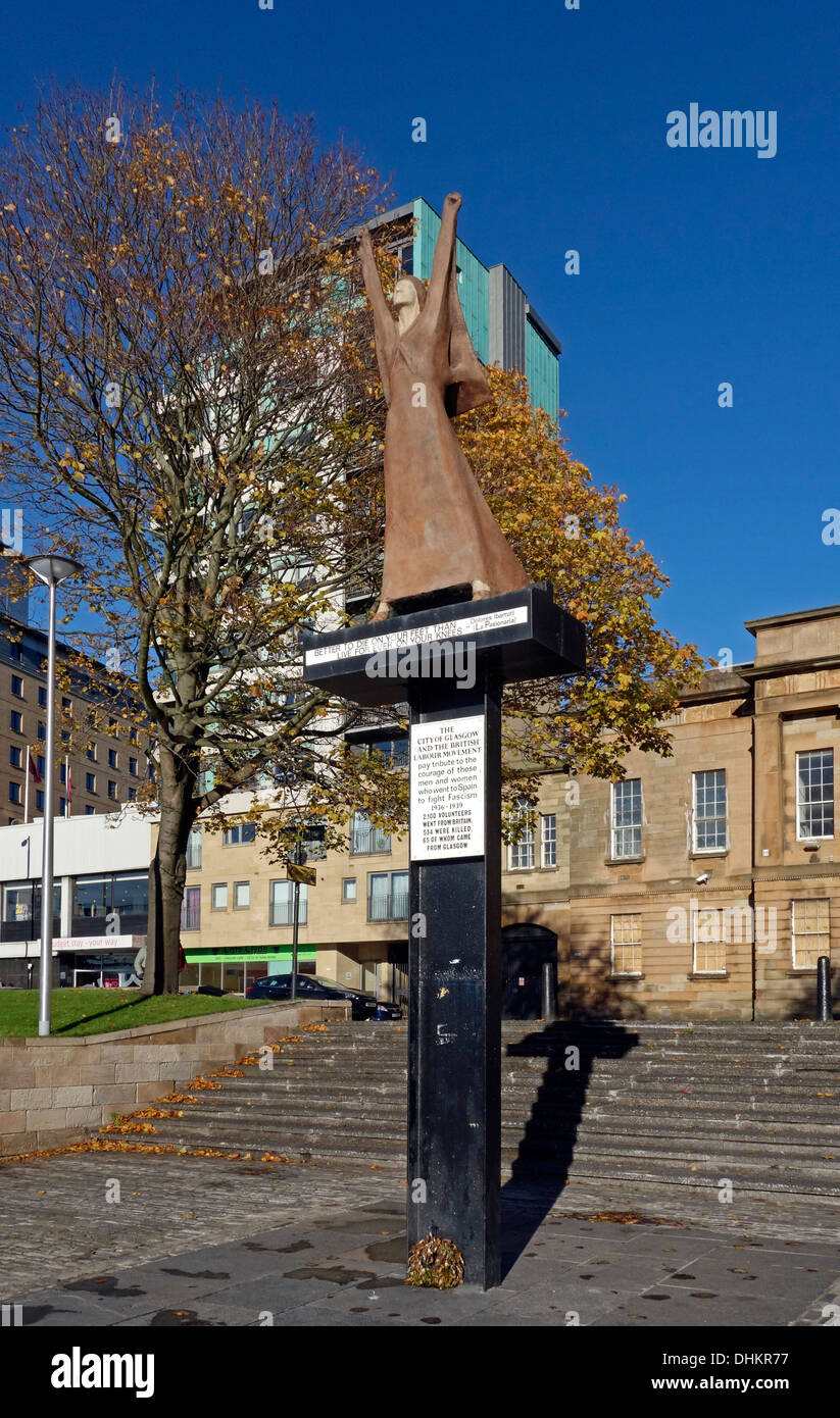 Monument at Customs Quay in Glasgow commemorating fighters who went to Spain to fight in the Spanish Civil War 1936-1939 - Stock Image