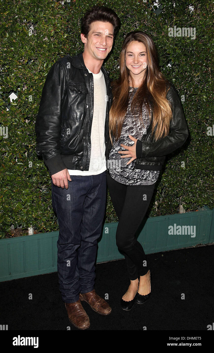 Page 2 Daren High Resolution Stock Photography And Images Alamy Daren kagasoff latest news, photos, and videos. https www alamy com daren kagasoff and shailene woodley abc family west coast upfronts image62530949 html
