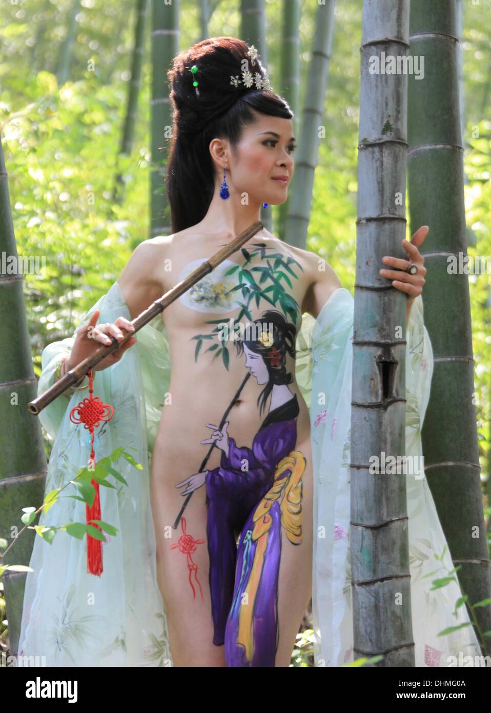 Body Painting A Body Art Painting Model Shows Off Her Creativity Stock Photo Alamy