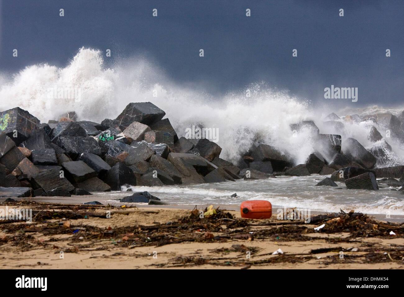 Contamination in Zurriola beach, Donostia - San Sebastián, Basque Country - Stock Image
