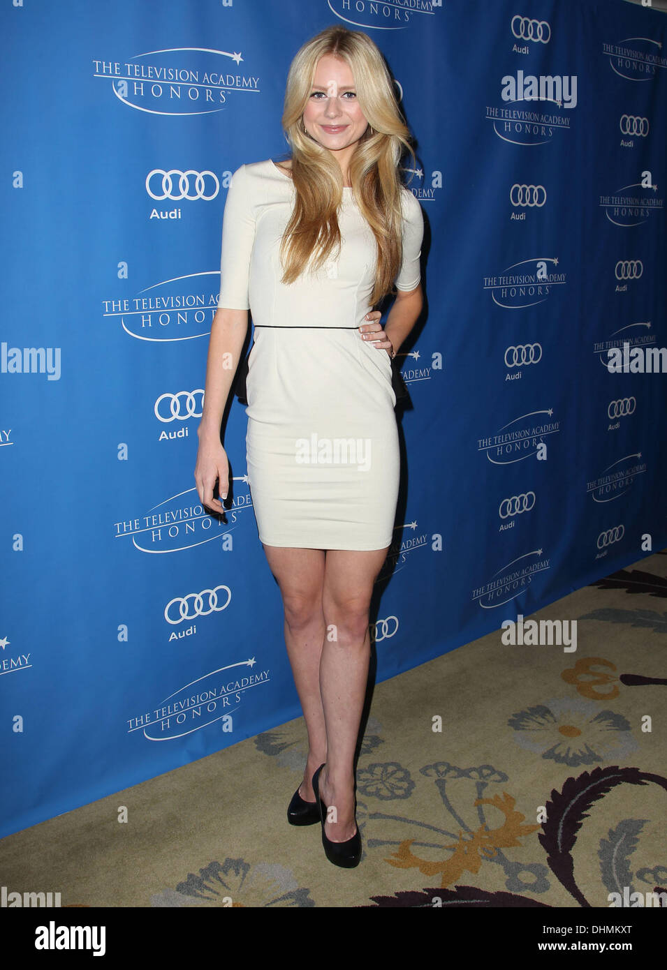 Justine Lupe Justine Lupe new pictures