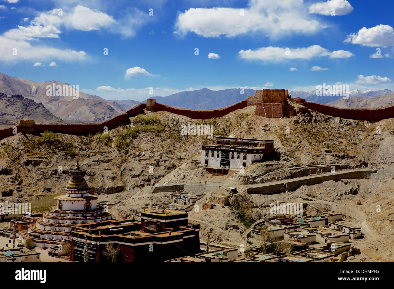 View of the Kumbum chorten (Stupa) & Palcho Monastery, Gyantse, Tibet, China, Asia Stock Photo