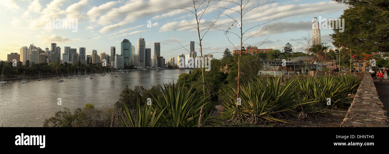 Brisbane from the Kangaroo Point cliffs. - Stock Image