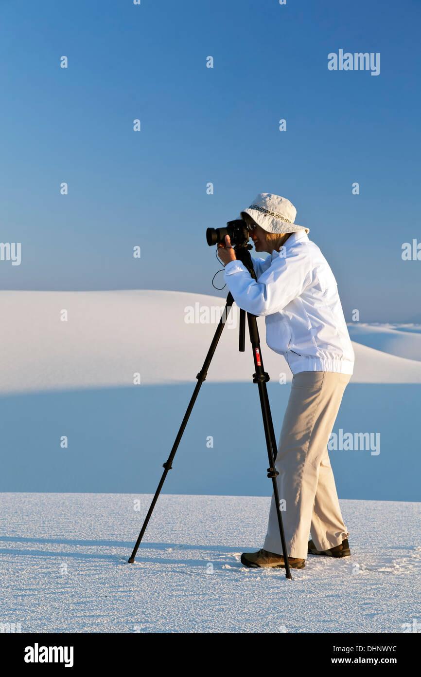 Photographer (Sandra Selles-Rodriguez), White Sands National Monument, Alamogordo, New Mexico USA - Stock Image