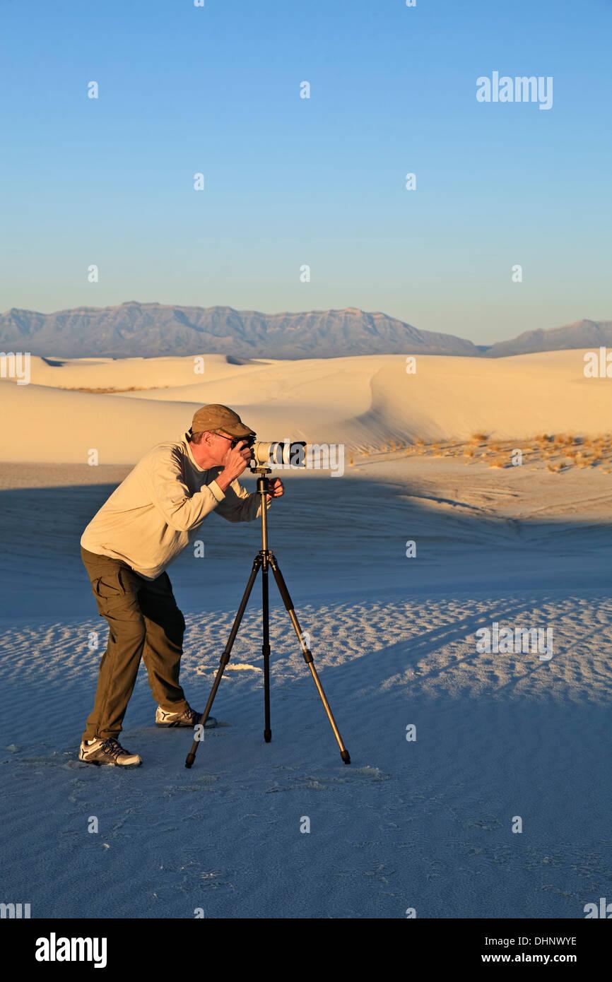 Photographer (Bruce Shah), White Sands National Monument, Alamogordo, New Mexico USA - Stock Image