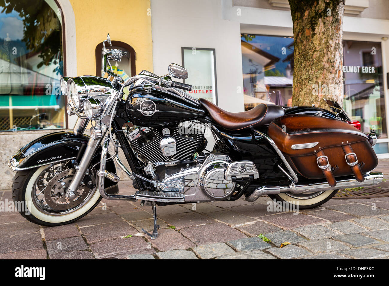 Harley Davidson Motorrad, Kitzbühel, Tyrol, Austria - Stock Image
