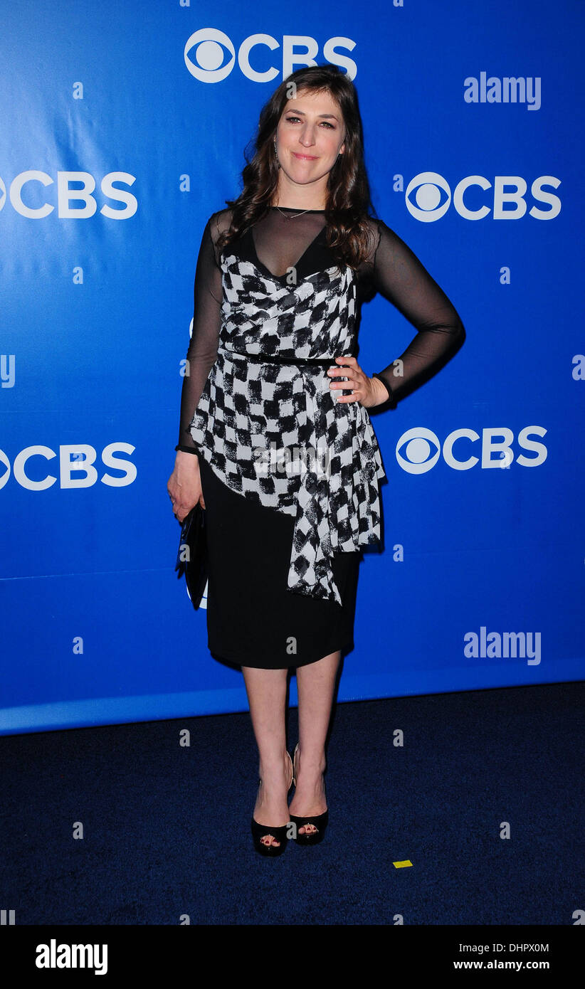 Dr. Mayim Bialik 2012 CBS Upfronts at The Tent at Lincoln Center New York City USA - 16.05.12  sc 1 st  Alamy & Dr. Mayim Bialik 2012 CBS Upfronts at The Tent at Lincoln Center New ...