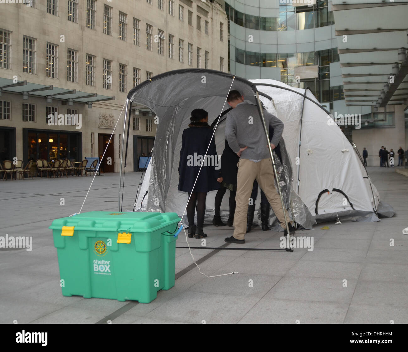 London, UK. 14th November 2013. One of the Shelterbox Tents that are being used in the Relief effort following the Typhoon and 7.2 Magnitude Earthquake that have struck the region in recent Weeks Credit:  Sebastian Toombs/Alamy Live News - Stock Image