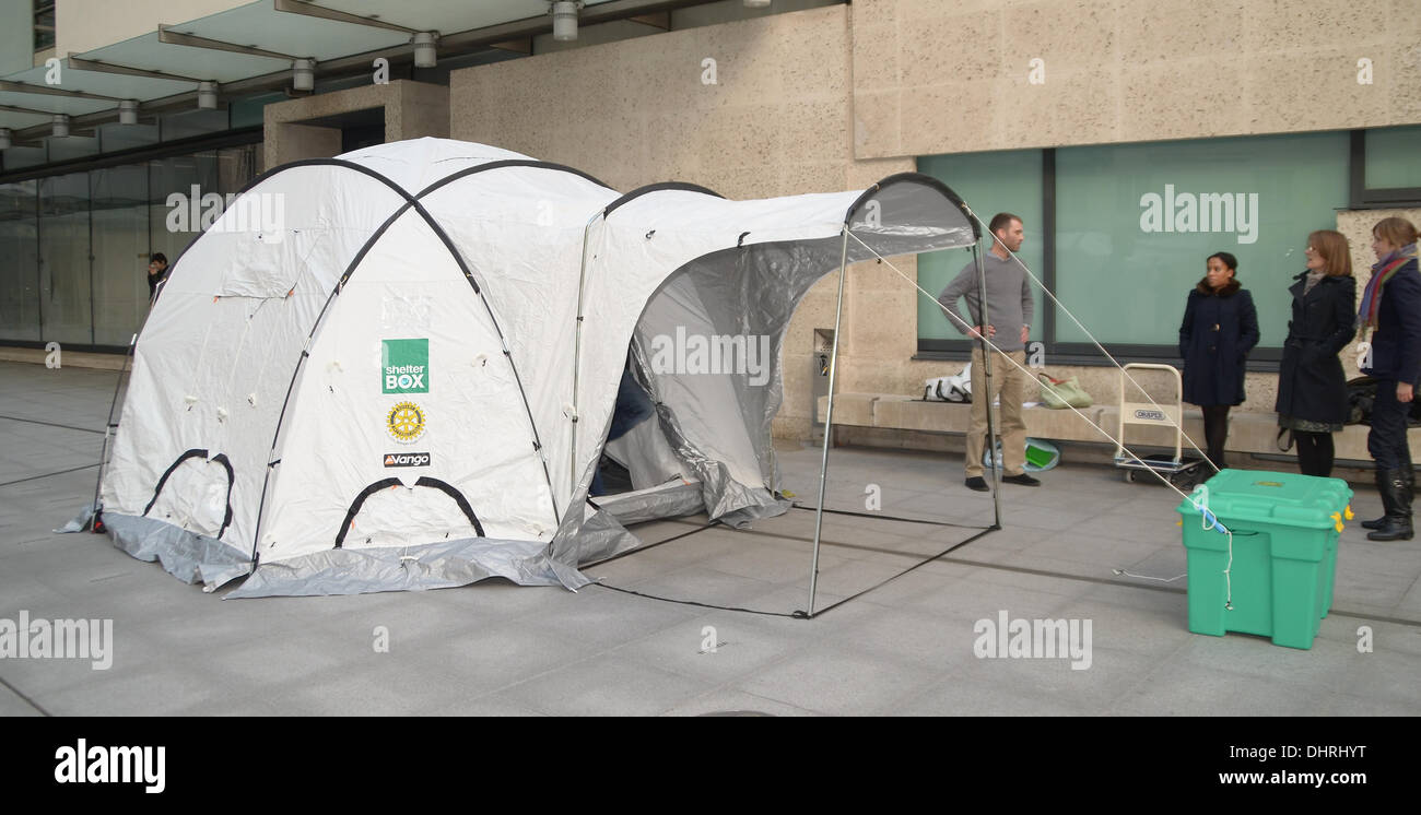London, UK. 14th November 2013. One of the Shelterbox Tents that are being used in the Relief effort following the Typhoon and 7.2 Magnitude Earthquake that have struck the region in recent Weeks, The Tents pack into the box and can be easily transported to the disaster areas. Credit:  Sebastian Toombs/Alamy Live News - Stock Image