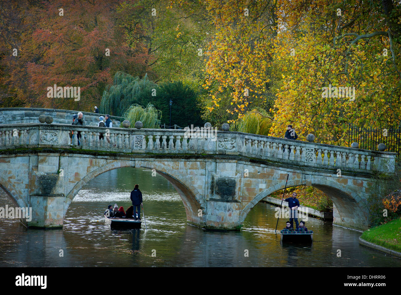 Autumn Colours on the River Cam, Cambridge, England. 14_11_2013 Visitors to Cambridge on punts enjoy the autumn - Stock Image
