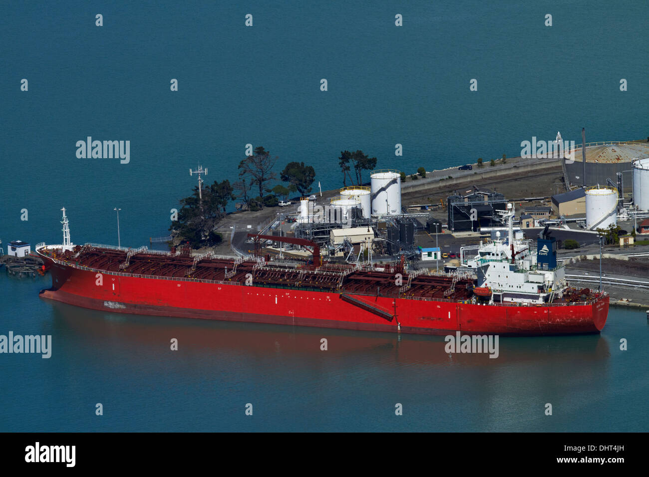 Bulk carrier at oil terminal, Port of Lyttelton, Lyttelton Harbour, Canterbury, South Island, New Zealand - Stock Image