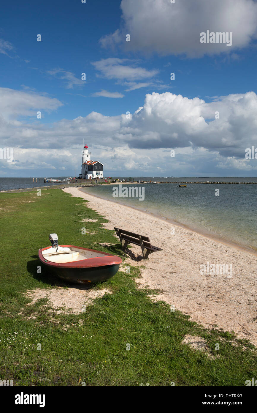 Netherlands, Marken, Lighthouse called Het Paard near lake called IJsselmeer - Stock Image