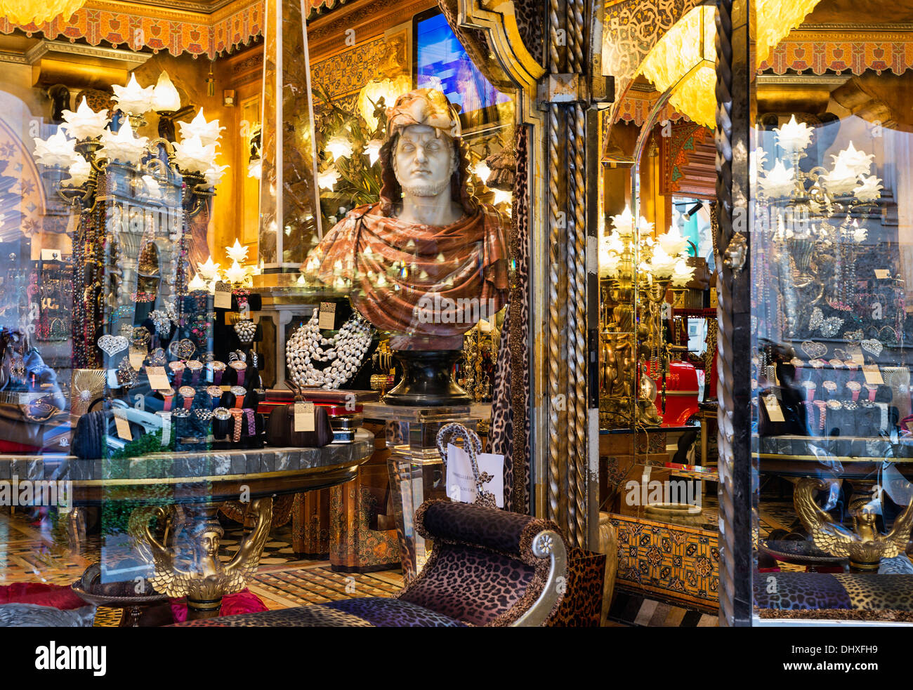 Antique furniture store, Rome, Italy - Stock Image
