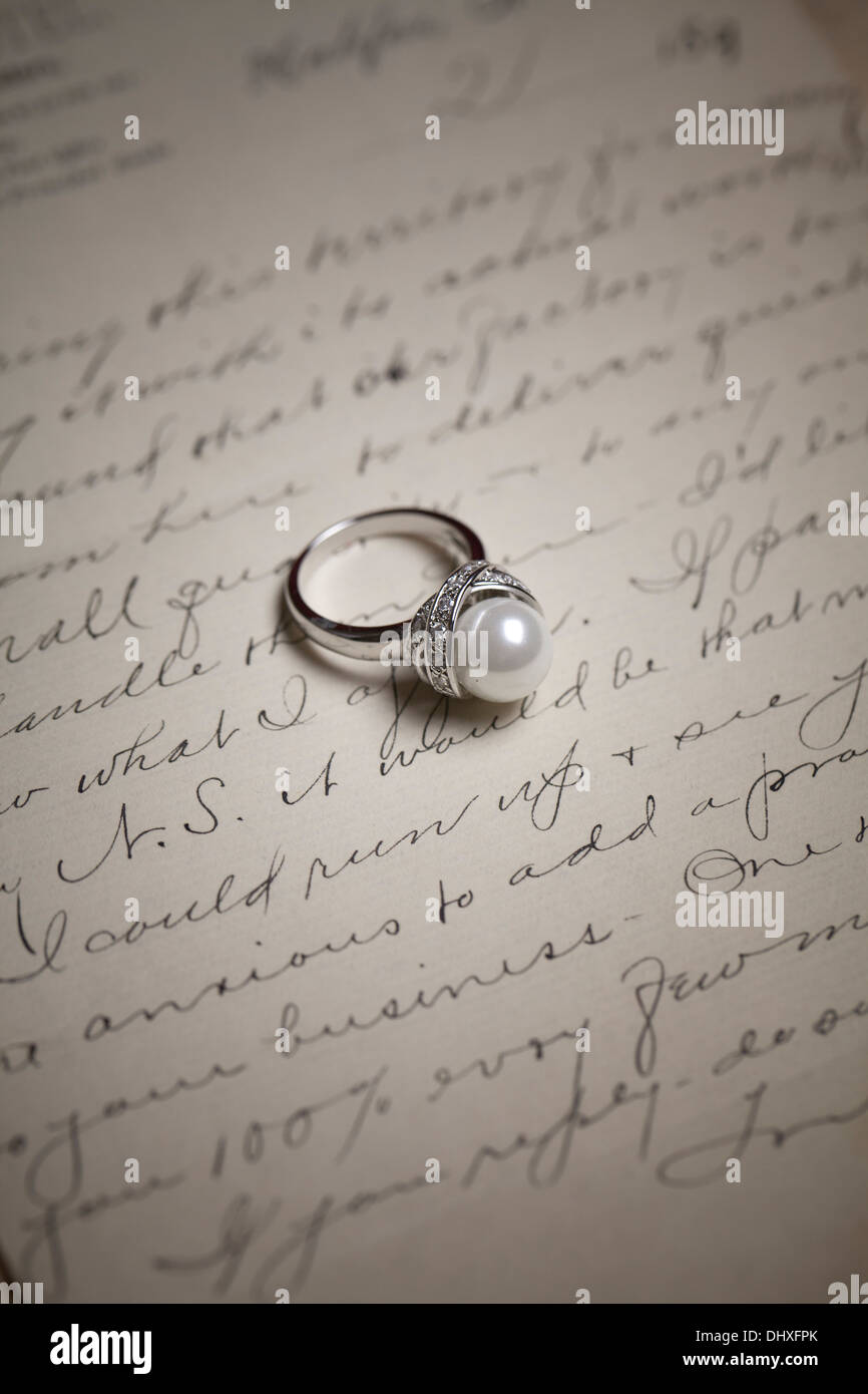 Ring Pearl old vintage letter writing - Stock Image