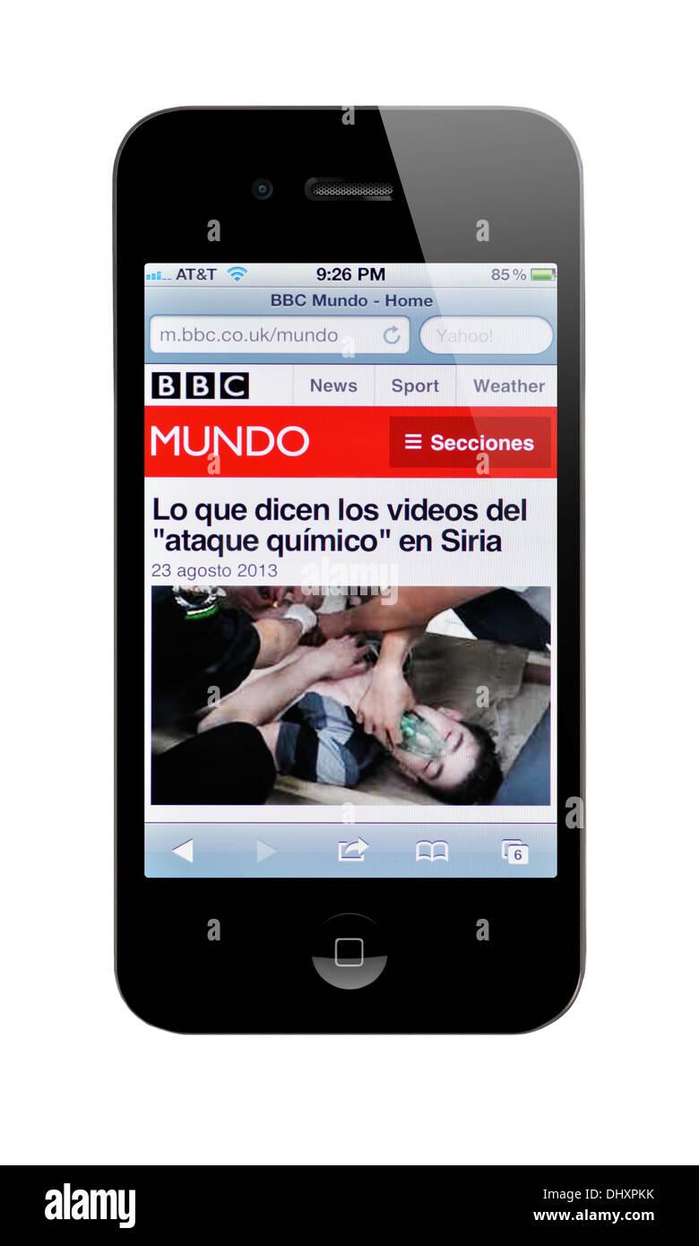 iPhone screen showing BBC Spanish news website Stock Photo