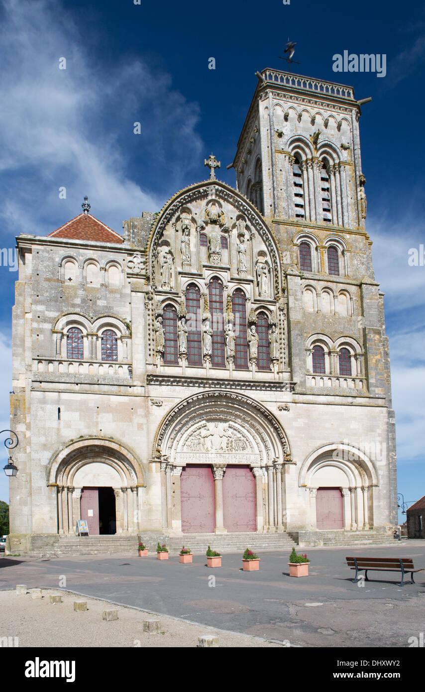French church basilique de Saint Madeleine en Vezelay - Stock Image