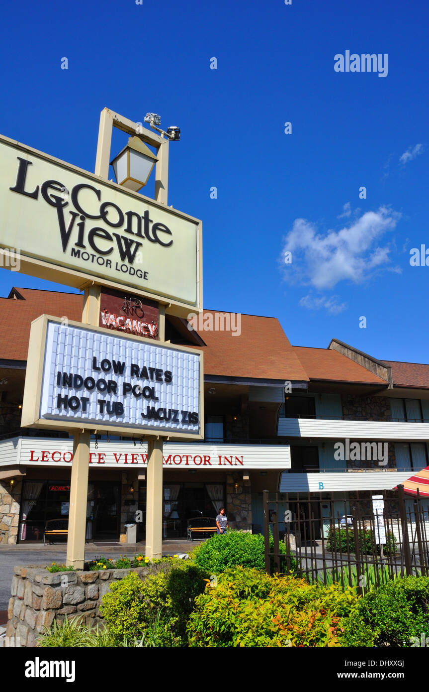 Leconte view motor lodge hotel gatlinburg tennessee usa for Motor lodge gatlinburg tn