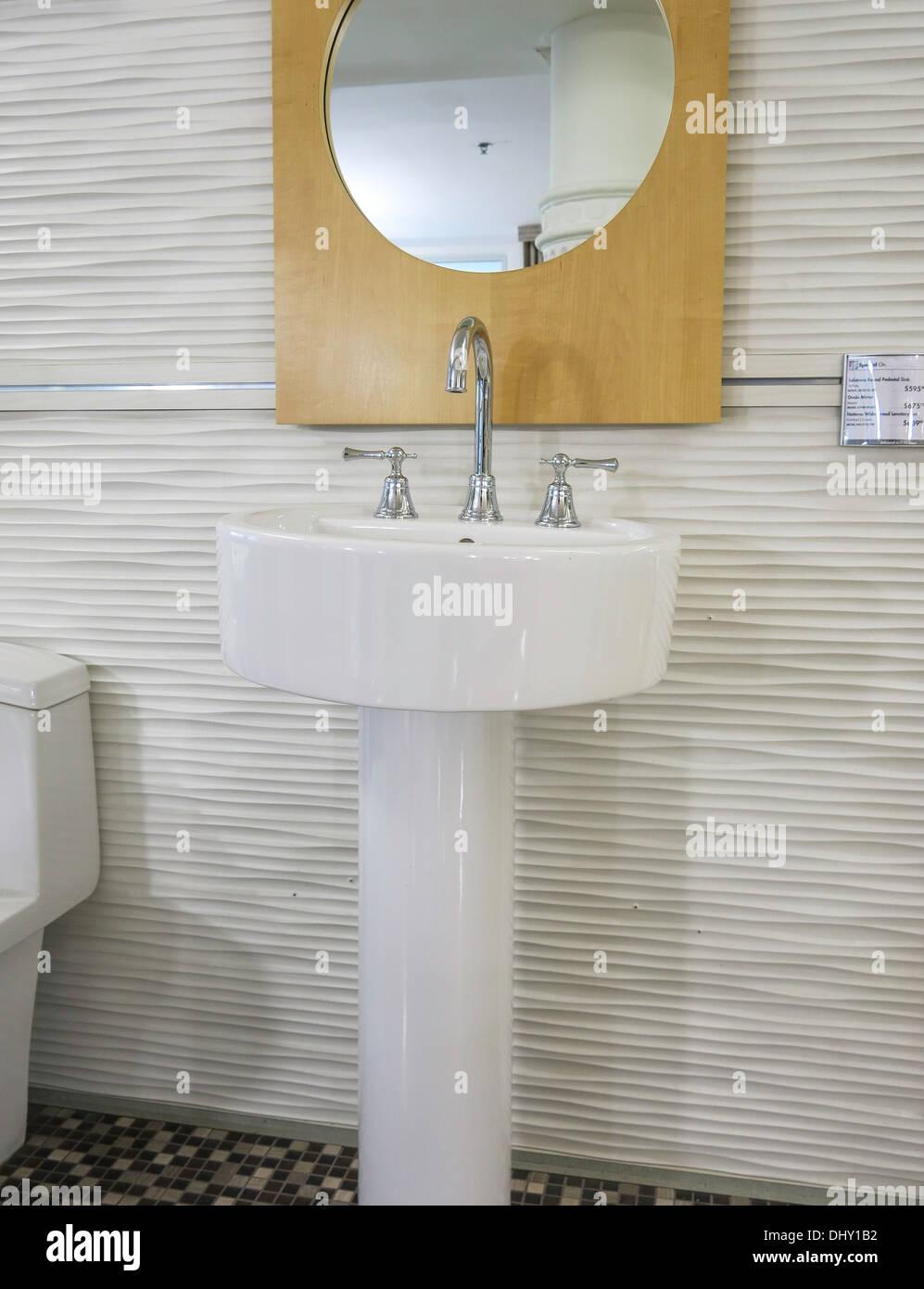 Contemporary Bathroom Store Sink Faucet Stock Photos & Contemporary ...