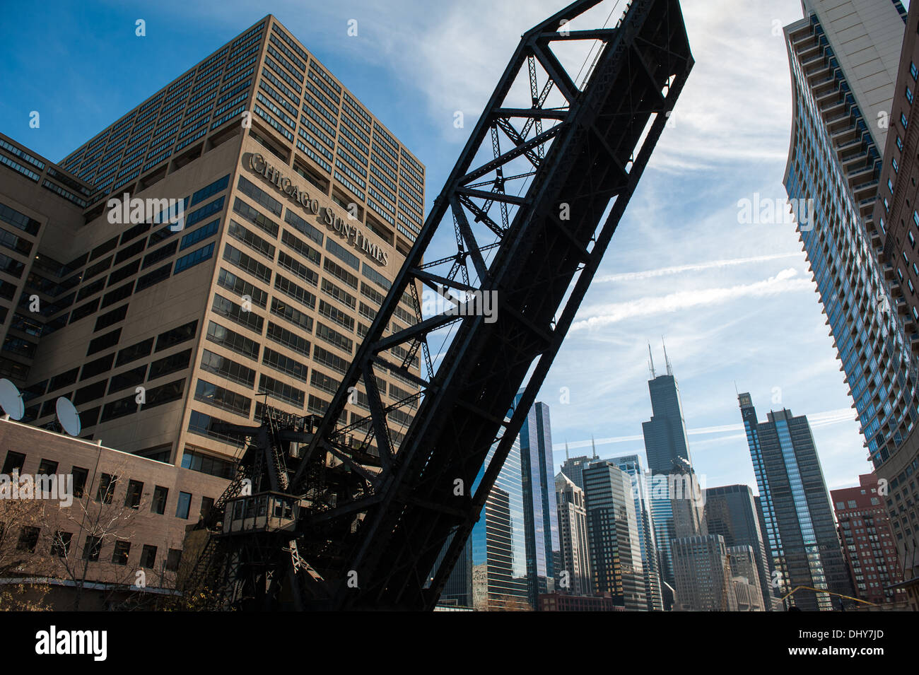 CHICAGO, IL - NOVEMBER 13: View of the Chicago & Northwestern Railway Bridge in front of the Chicago skyline in Chicago. - Stock Image