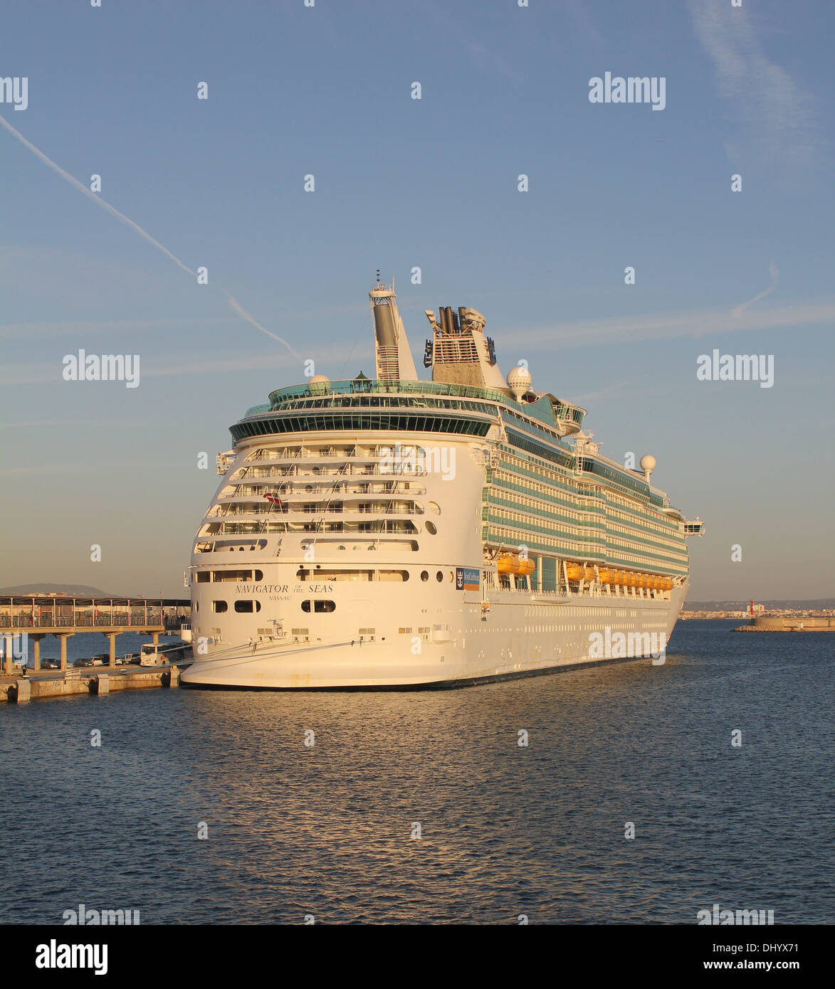 "Royal Caribbean International Cruise Line Cruise Ship ""Navigator of the Seas"" ( 311 mts) Port of Palma de Mallorca. Stock Photo"