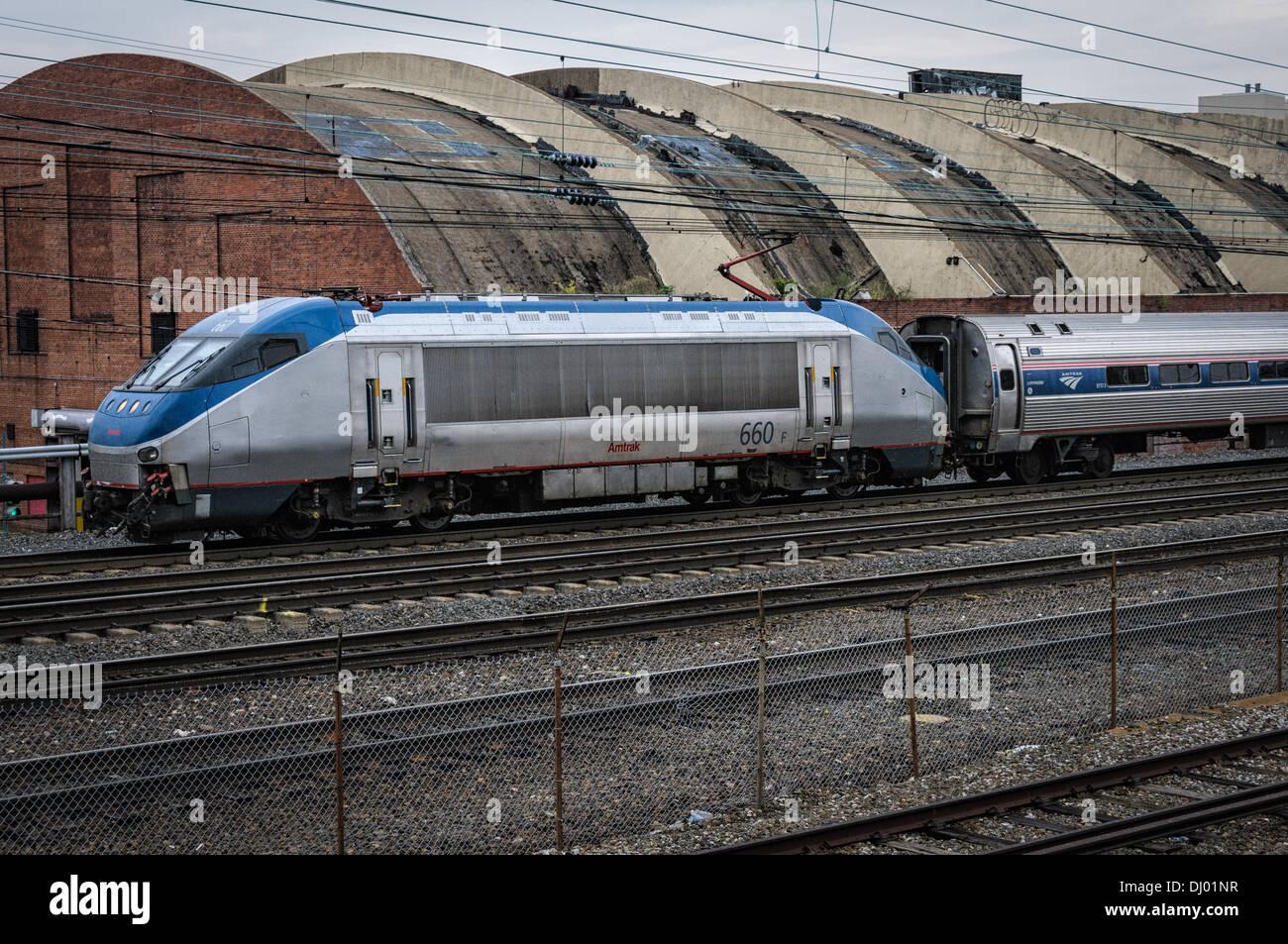 Amtrak HHP-8 Locomotive No 660 leaving Union Station, Washington, DC - Stock Image