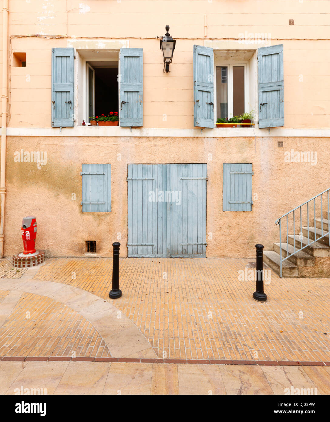 Old facade building in Manosque, France - Stock Image
