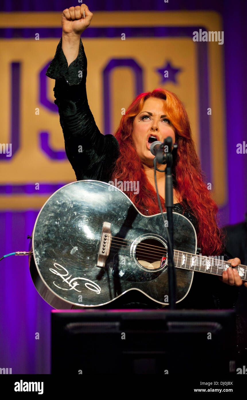 Country music singer Wynonna Judd performs for the 2013 USO Gala October 25, 2013 in Washington, D.C., Oct. 25, 2013. - Stock Image