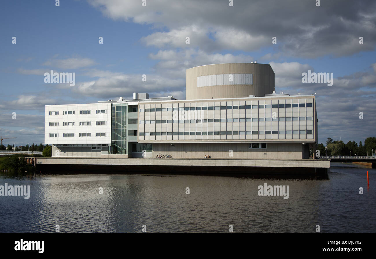 The theater building of Oulu in Northern Finland was designed by the architects Marjatta and Martti Jaatinen and built in 1972. - Stock Image