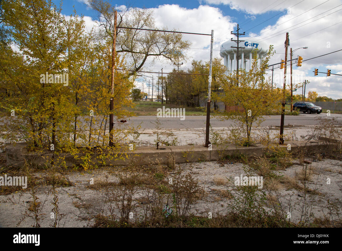 Gary, Indiana - Vacant and overgrown lots in Gary, Indiana, where the population has declined by more than 50% since 1960. - Stock Image