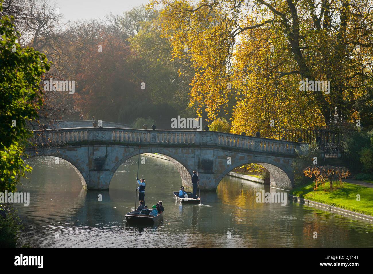 Autumn Colours on the River Cam Cambridge. 15_11_2013 Visitors to Cambridge enjoy the autumn colours of 'The - Stock Image