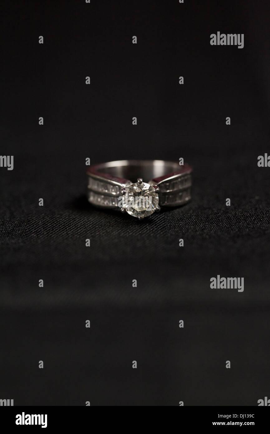 Ring woman jewel jewelry love diamond - Stock Image