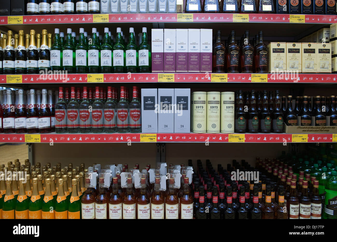 Shelves of cheap alcohol including wine, spirits and beer, in budget UK supermarket Aldi. - Stock Image