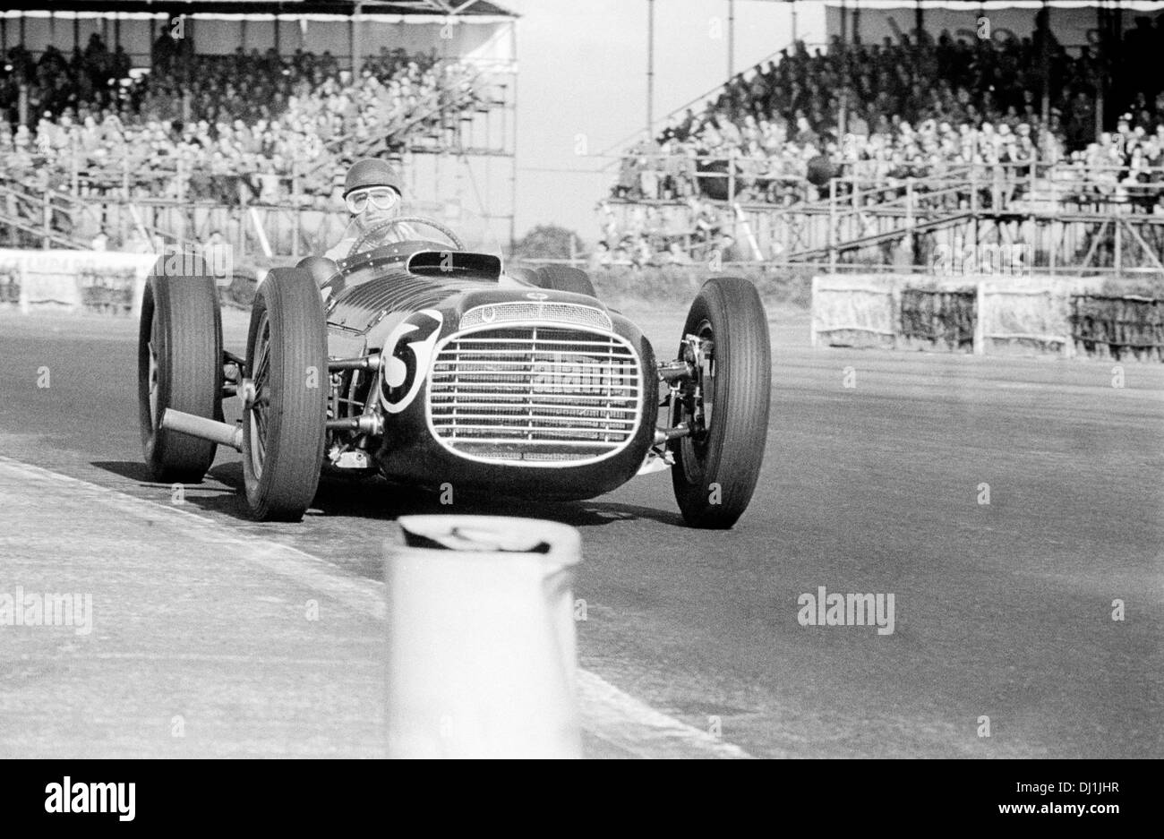 Fangio in the BRM V16 Mark I in the Formule Libre race that day, Silverstone, England 18 July 1953. - Stock Image