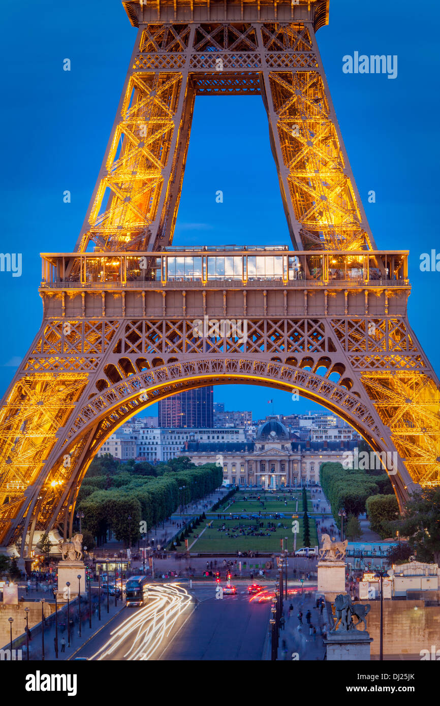 Eiffel Tower with Ecole Militaire beyond, Paris France - Stock Image
