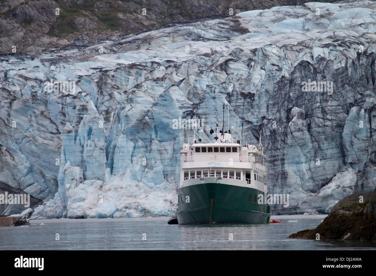 Wilderness Explorer in front of the Margerie Glacier, Glacier bay , Alaska - Stock Image