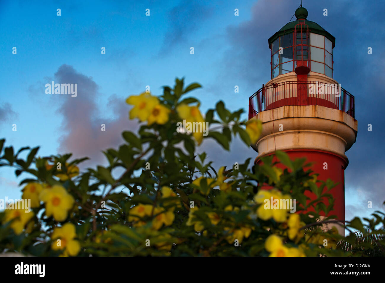 Faro de Sainte Suzanne. SSAUPASS (Association for the Safeguarding of Sainte-Suzanne)Notes:This lighthouse was restored - Stock Image